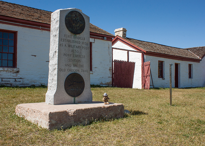 Oregon Trail – Pony Express Monument!